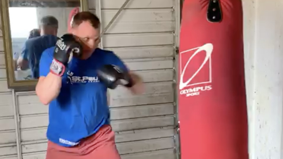 3-minute punchbag routine, let's nail those 1s and 2s